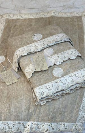 Набір рушників та коврик з мереживом PA